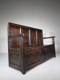 17th Century Englsh Period Oak Antique Box Seat Settle