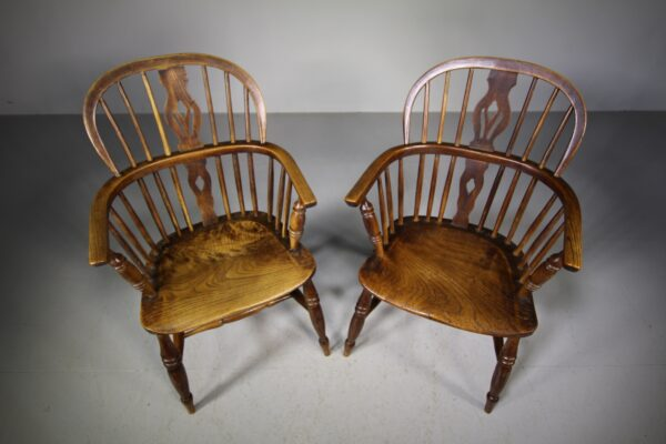 True Pair of Antique Lincolnshire Windsor Chairs   Miles Griffiths Antiques